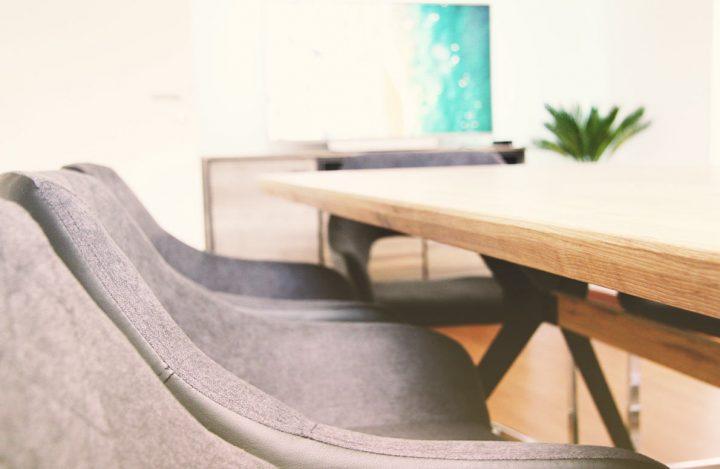 ESY Agentur Meetingraum Closeup